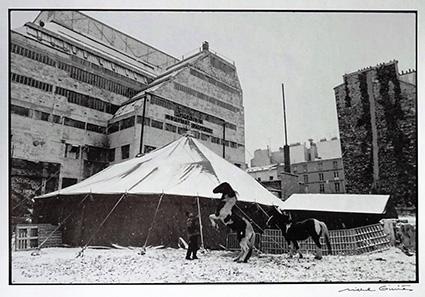 Le cirque Romanès, installé à l'emplacement de l'actuel Millénuim Capron Lathuile construit en 2003 (Photo M. Giniès)